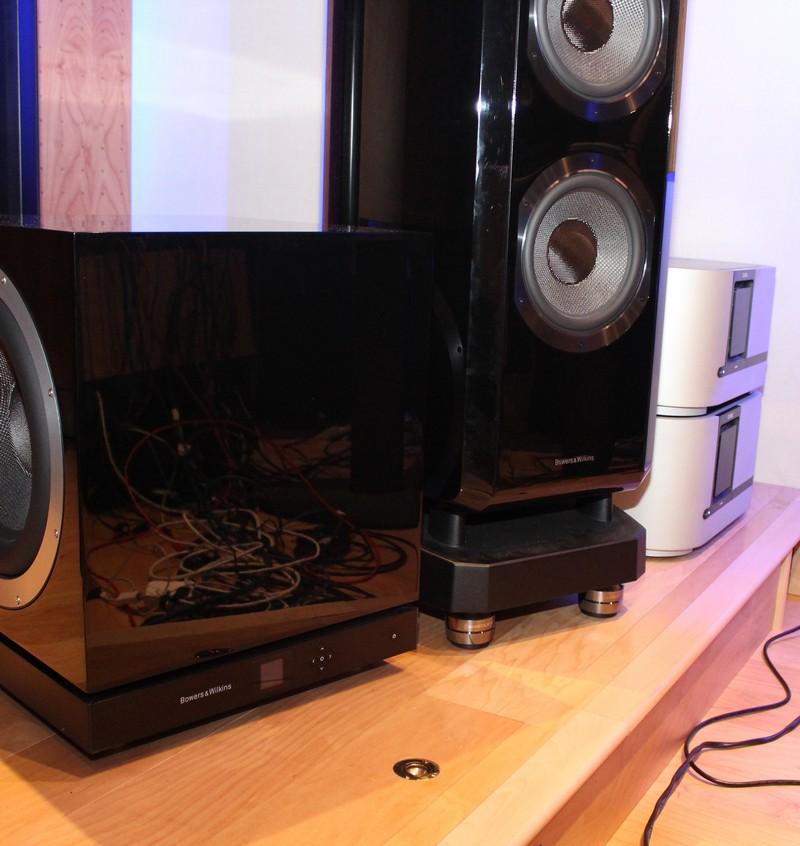 B&W 802 D2 with IsoAcoustics GAIA I speaker isolation